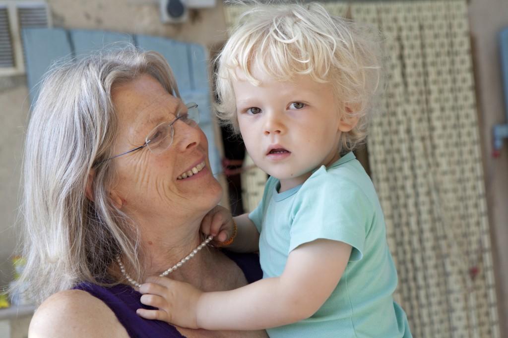 Ina Pieterse (met kleinzoon)